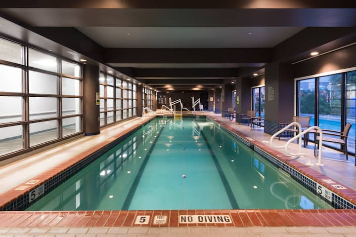Pool at the Wyndham Hamilton Park Hotel and Conference Center in Florham Park, New Jersey