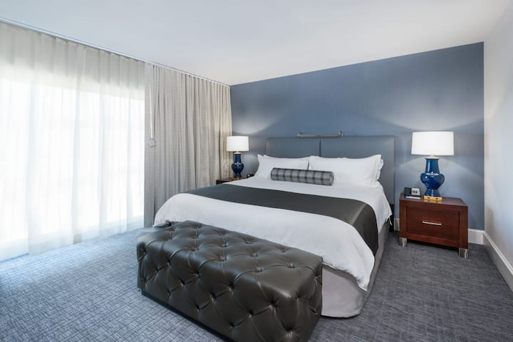 Wyndham Hamilton Park Hotel and Conference Center suite in Florham Park, New Jersey