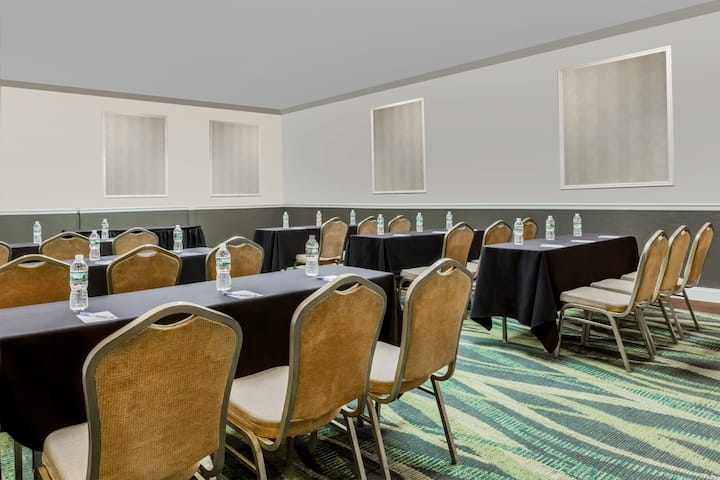 Meeting room at Wyndham Philadelphia - Mount Laurel in Mount Laurel, New Jersey