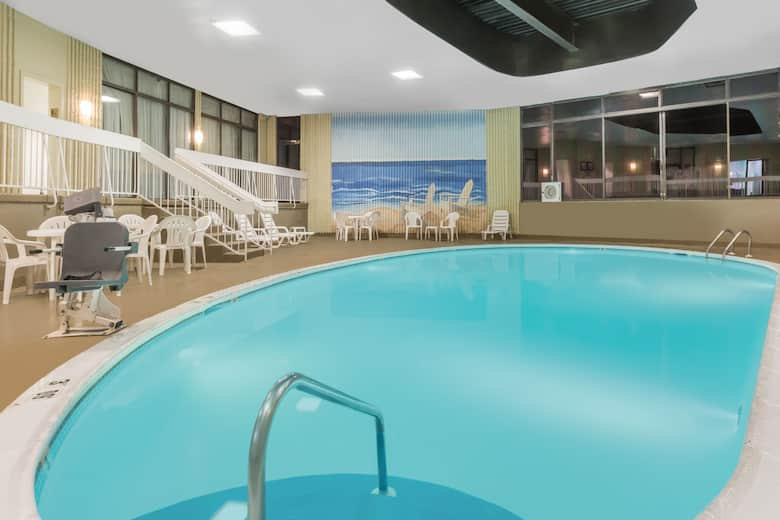 Pool At The Wyndham Philadelphia Mount Laurel In New Jersey