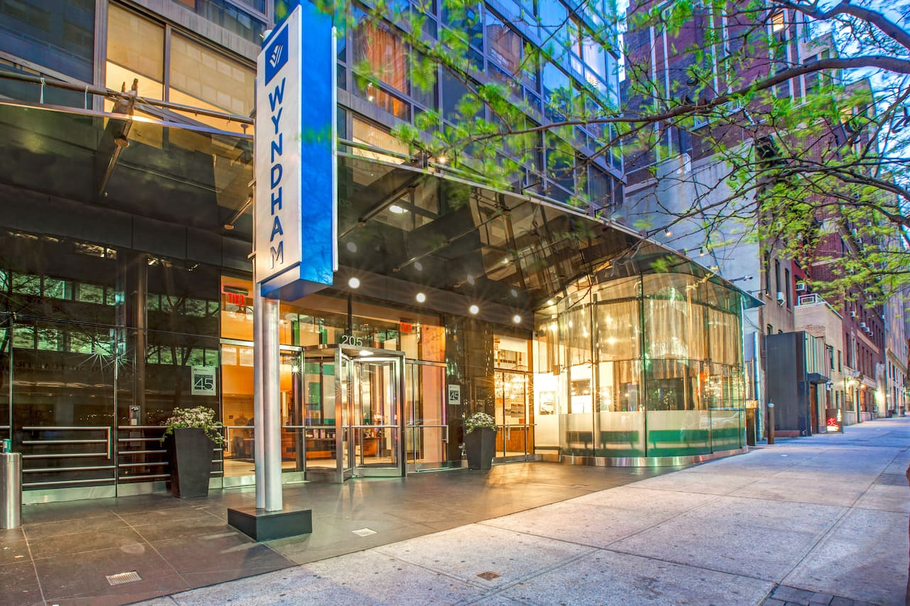 Wyndham Midtown 45 in  New York,  New York
