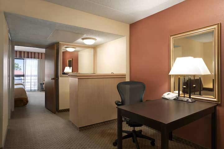 Guest room at the Wyndham El Paso Airport Hotel and Water Park in El Paso, Texas