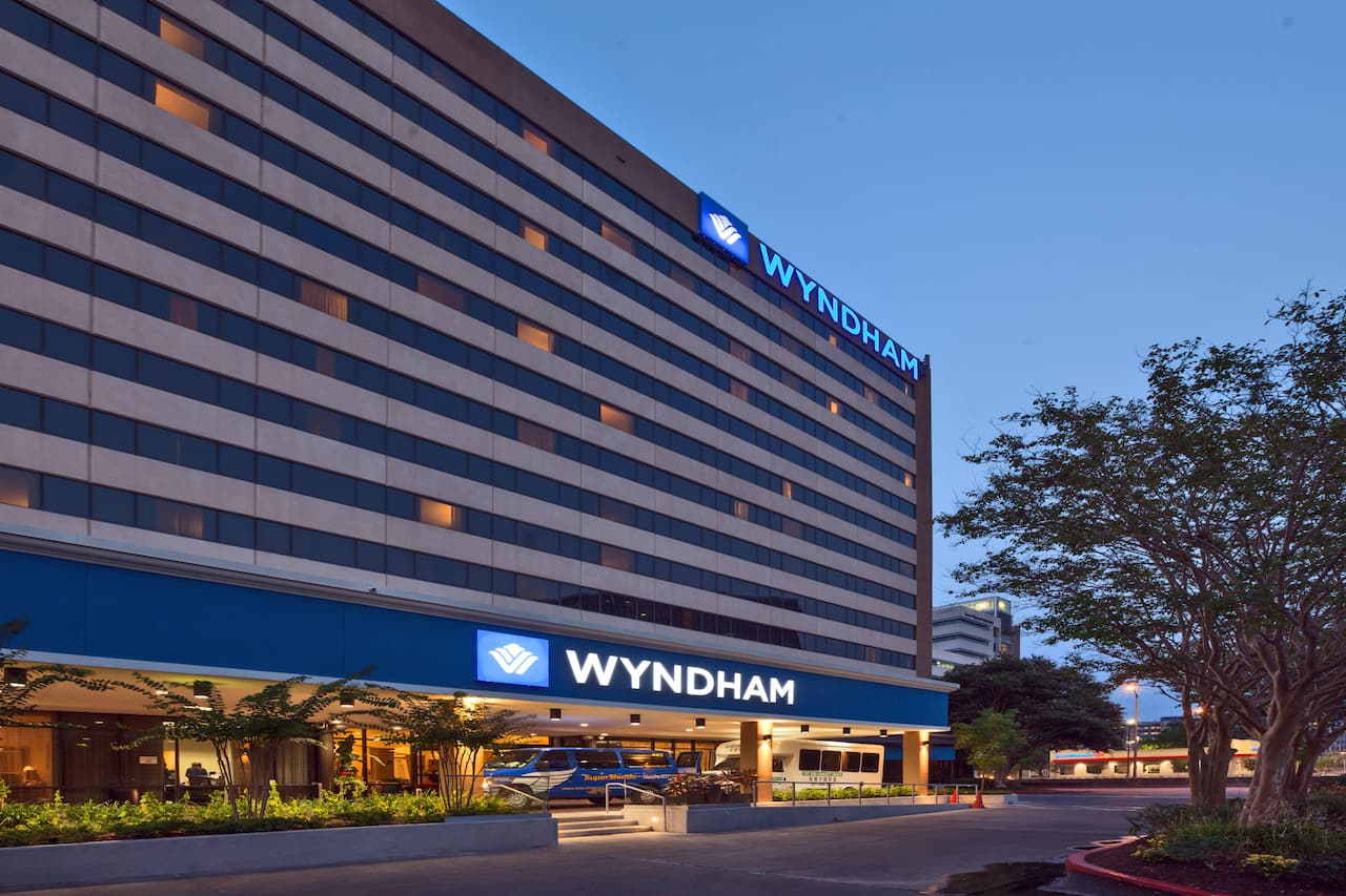 Wyndham Houston - Medical Center Hotel and Suites near Royal Purple Raceway