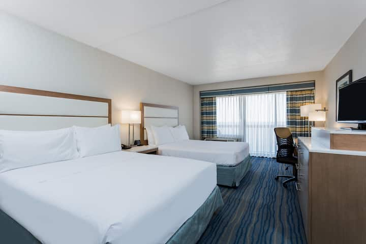 Guest room at the Wyndham Virginia Beach Oceanfront in Virginia Beach, Virginia