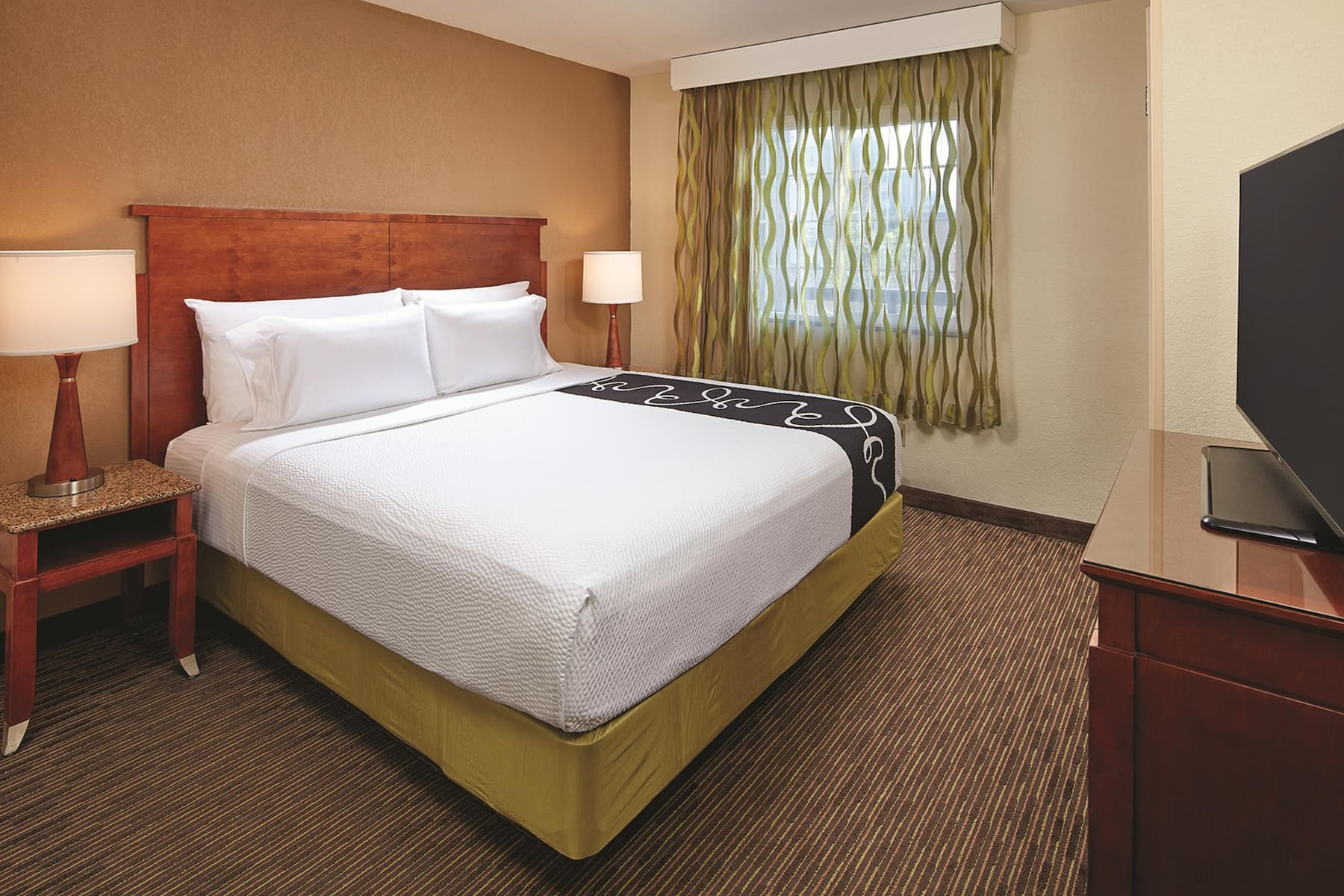La Quinta Inn & Suites by Wyndham San Diego SeaWorld/Zoo suite in San Diego, California