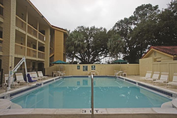 La Quinta Inn By Wyndham Pensacola Pensacola Fl Hotels