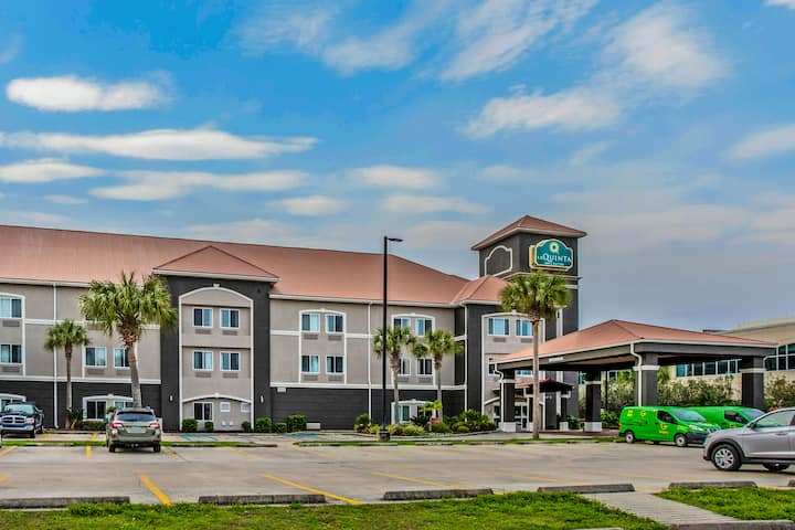 La Quinta Inn Suites By Wyndham Biloxi Biloxi Ms Hotels