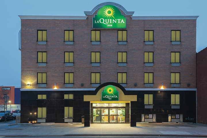 la quinta inn by wyndham queens new york city long island city ny hotels la quinta inn by wyndham queens new