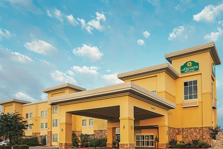 la quinta inn suites by wyndham ft worth forest hill tx fort worth tx hotels la quinta inn suites by wyndham ft