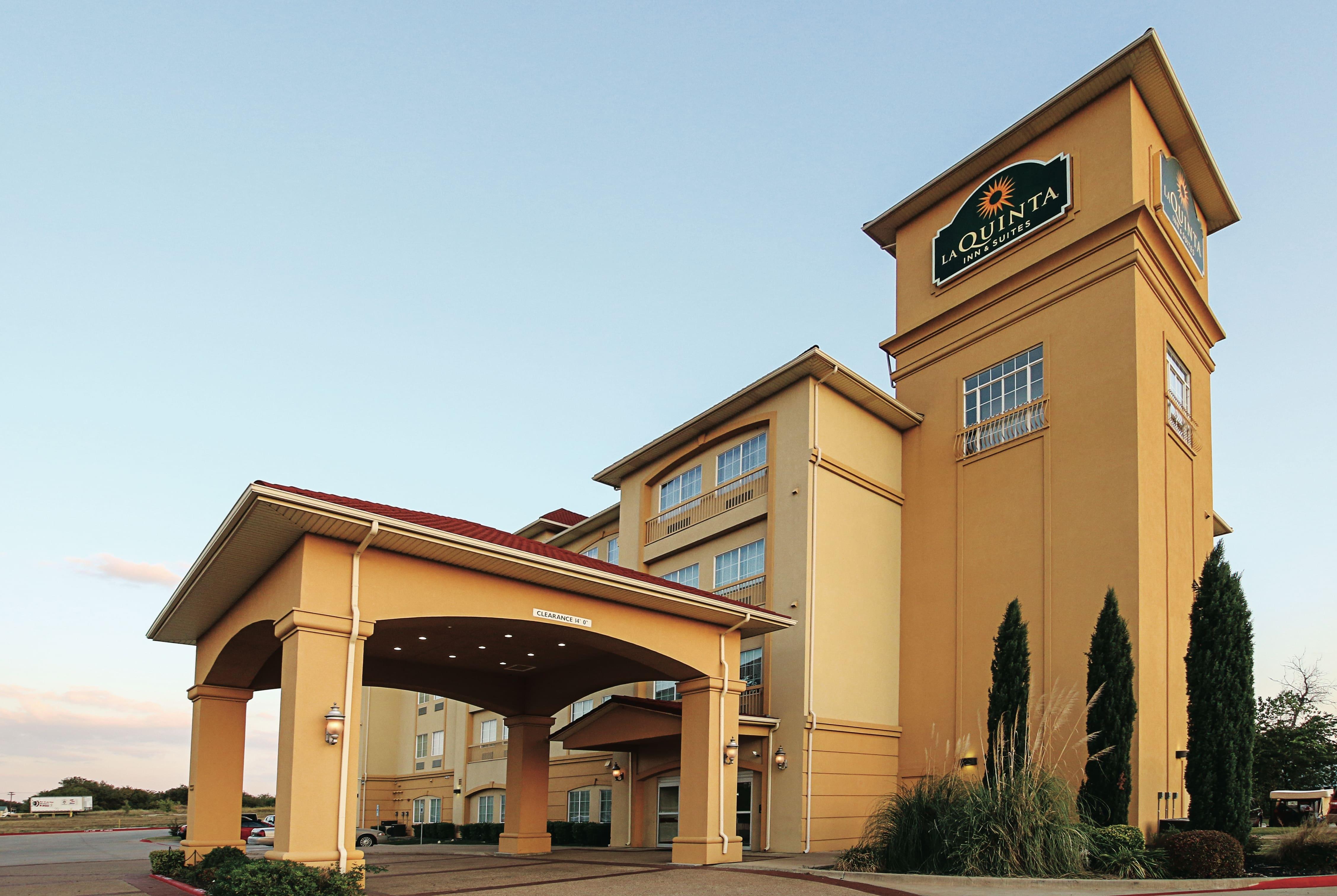 La Quinta Inn & Suites by Wyndham Dallas - Hutchins