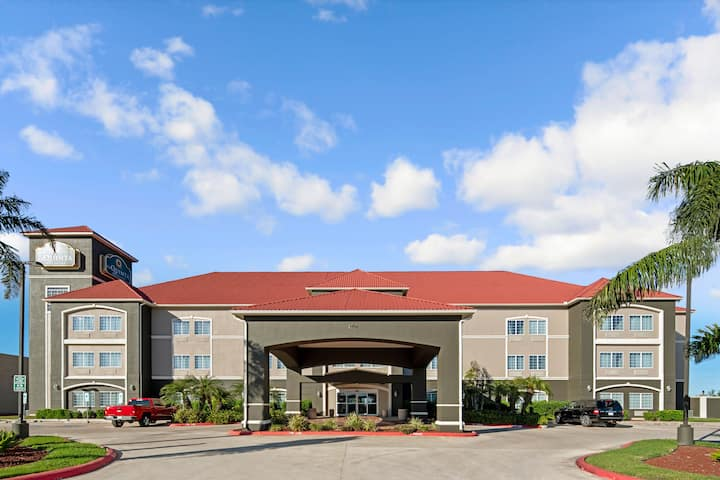 La Quinta Inn Suites By Wyndham Mercedes Mercedes Tx Hotels