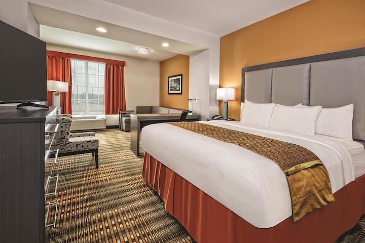 La Quinta Inn Suites By Wyndham San Antonio By At T Center San Antonio Tx Hotels