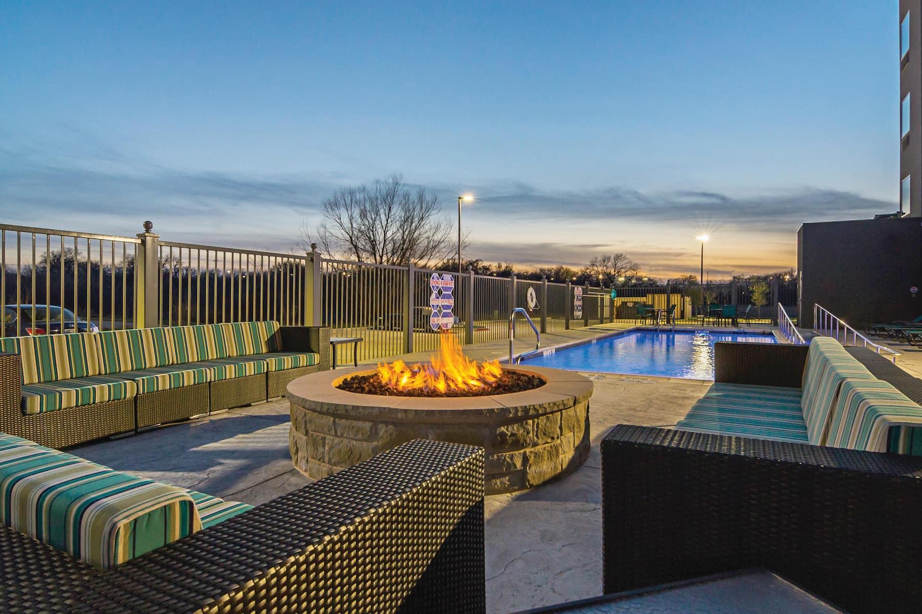 Toyota Of Rockwall >> La Quinta Inn & Suites by Wyndham Dallas - Wylie   Wylie, TX Hotels