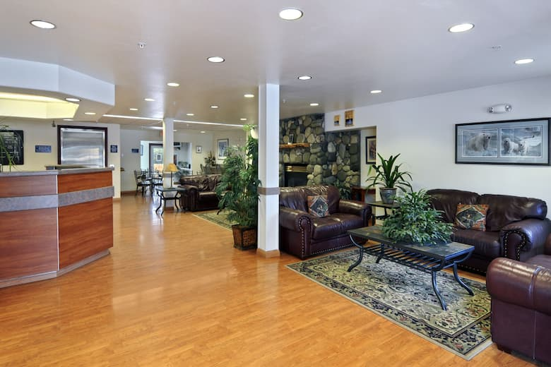 Microtel Inn Suites By Wyndham Eagle River Anchorage Are Hotel Lobby In