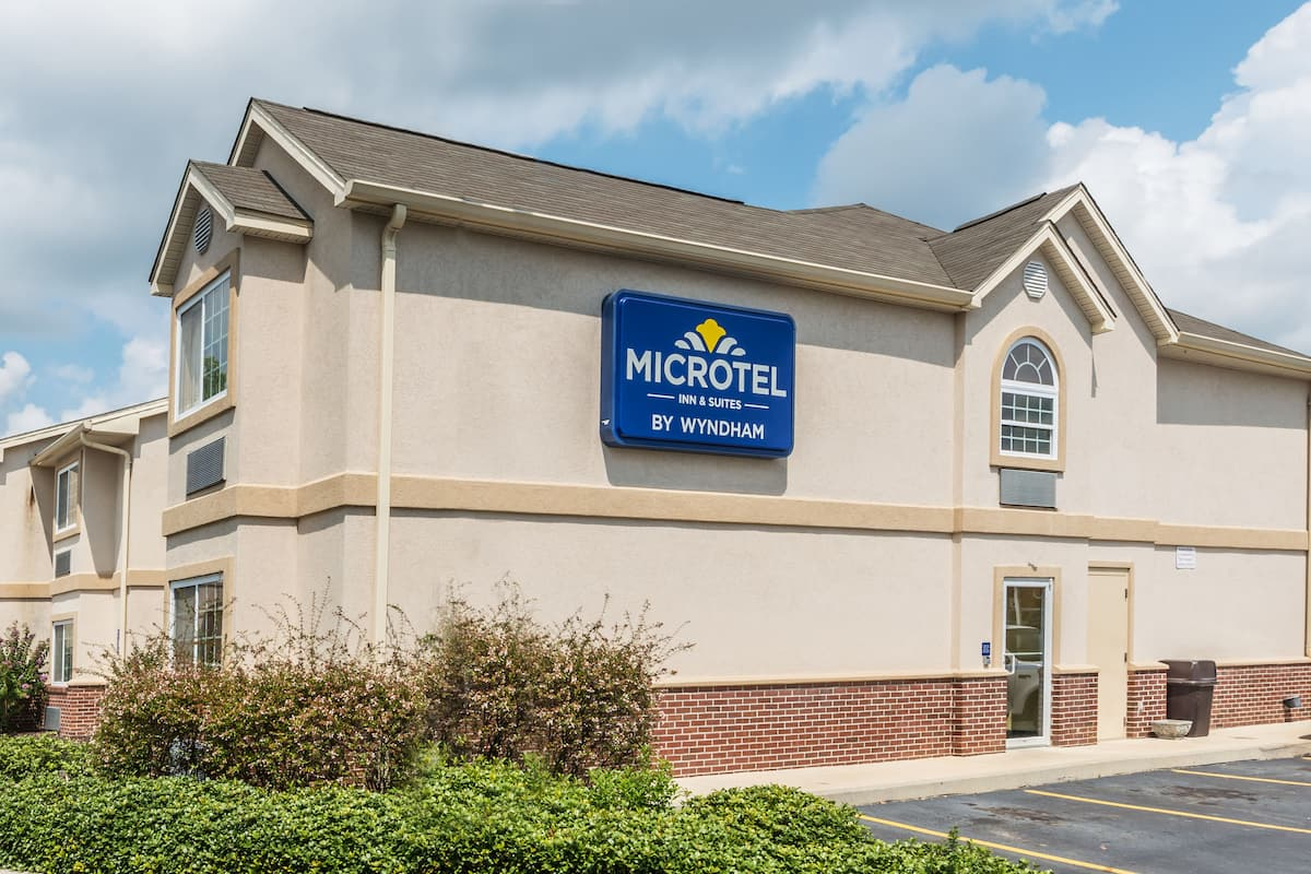 Exterior Of Microtel Inn Suites By Wyndham Auburn Hotel In Alabama
