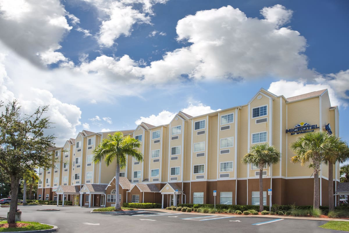 Exterior Of Microtel Inn Suites By Wyndham Lehigh Hotel In Acres Florida