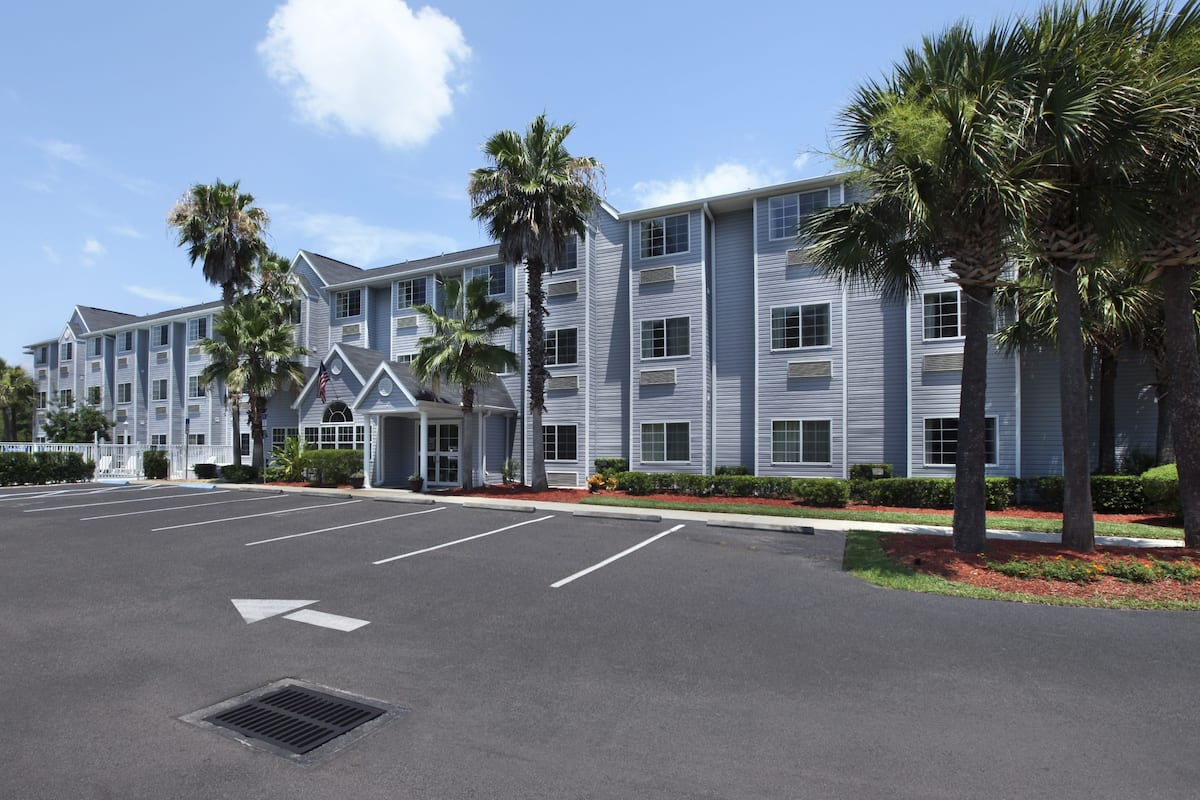 Exterior Of Microtel Inn Suites By Wyndham Palm Coast Hotel In Florida