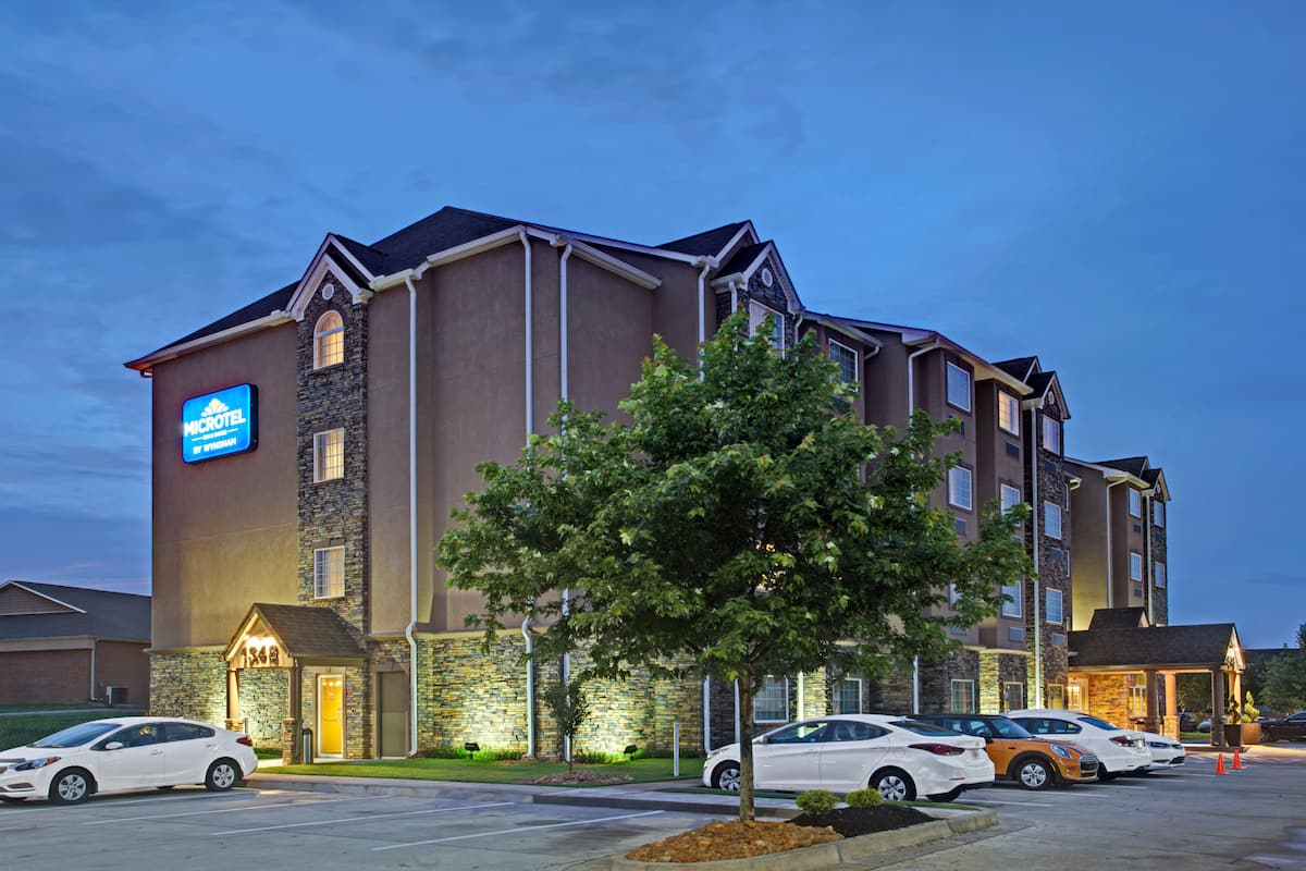 Exterior Of Microtel Inn Suites By Wyndham Cartersville Hotel In Georgia