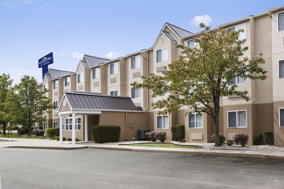 Exterior Of Microtel Inn Suites By Wyndham Louisville East Hotel In Kentucky