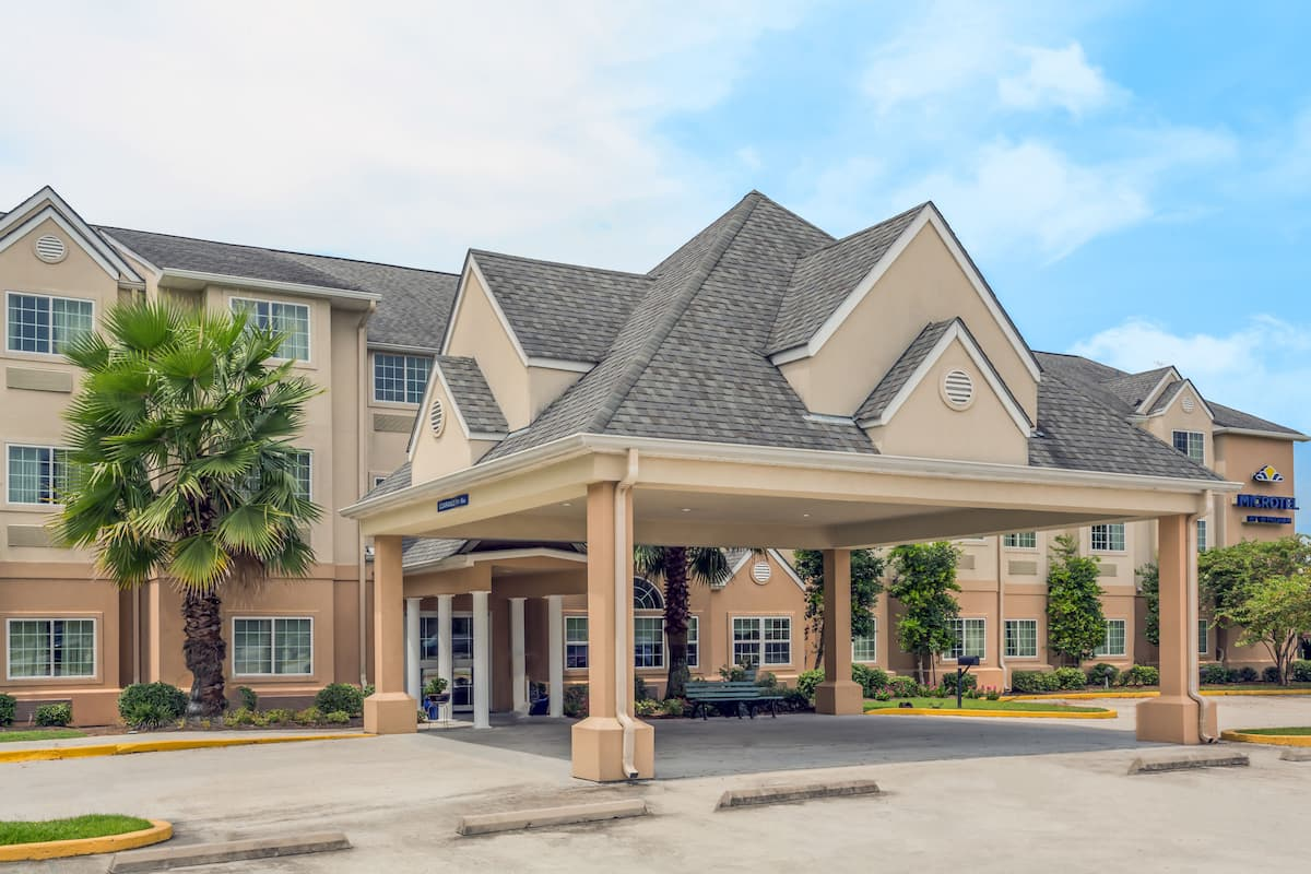 Exterior Of Microtel Inn Suites By Wyndham Houma Hotel In Louisiana