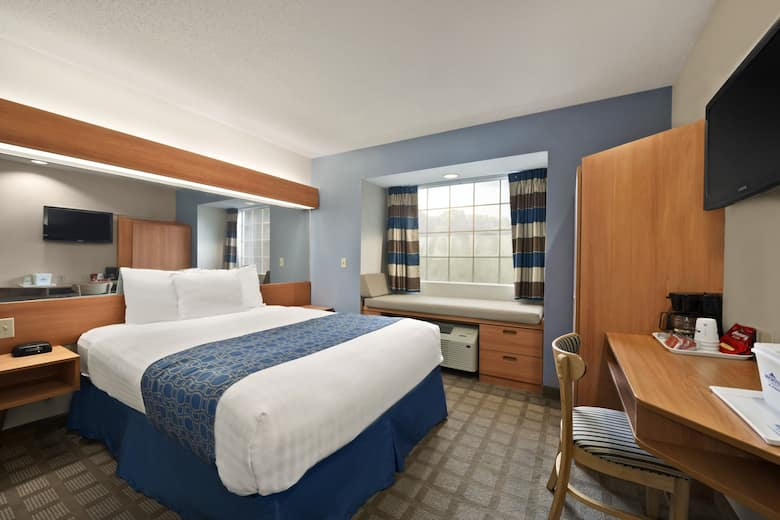 Guest Room At The Microtel Inn Suites By Wyndham Ponchatoula Hammond In