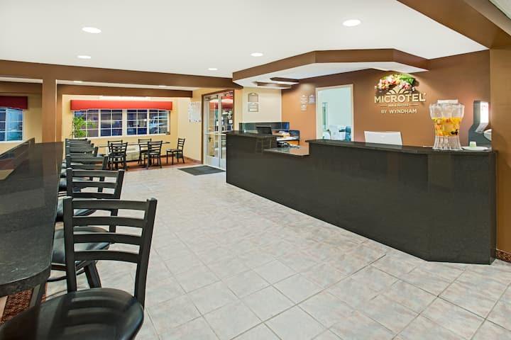 Microtel Inn Suites By Wyndham Holland Holland Mi Hotels