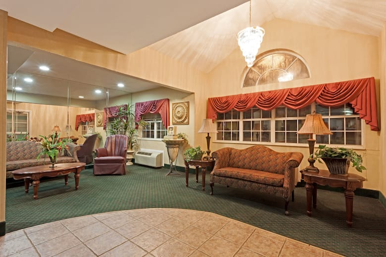 Microtel Inn Suites By Wyndham Brandon Hotel Lobby In Mississippi