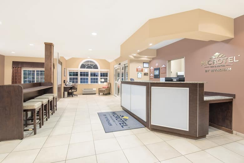 Microtel Inn Suites By Wyndham Sidney Hotel Lobby In Montana