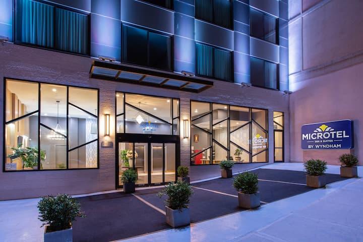 Microtel Inn By Wyndham Long Island