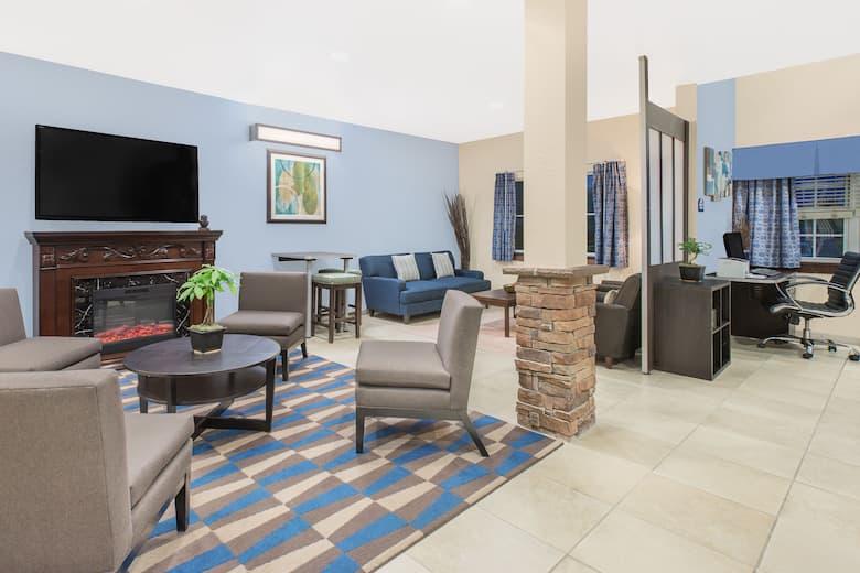 Microtel Inn Suites By Wyndham Waynesburg Hotel Lobby In Pennsylvania