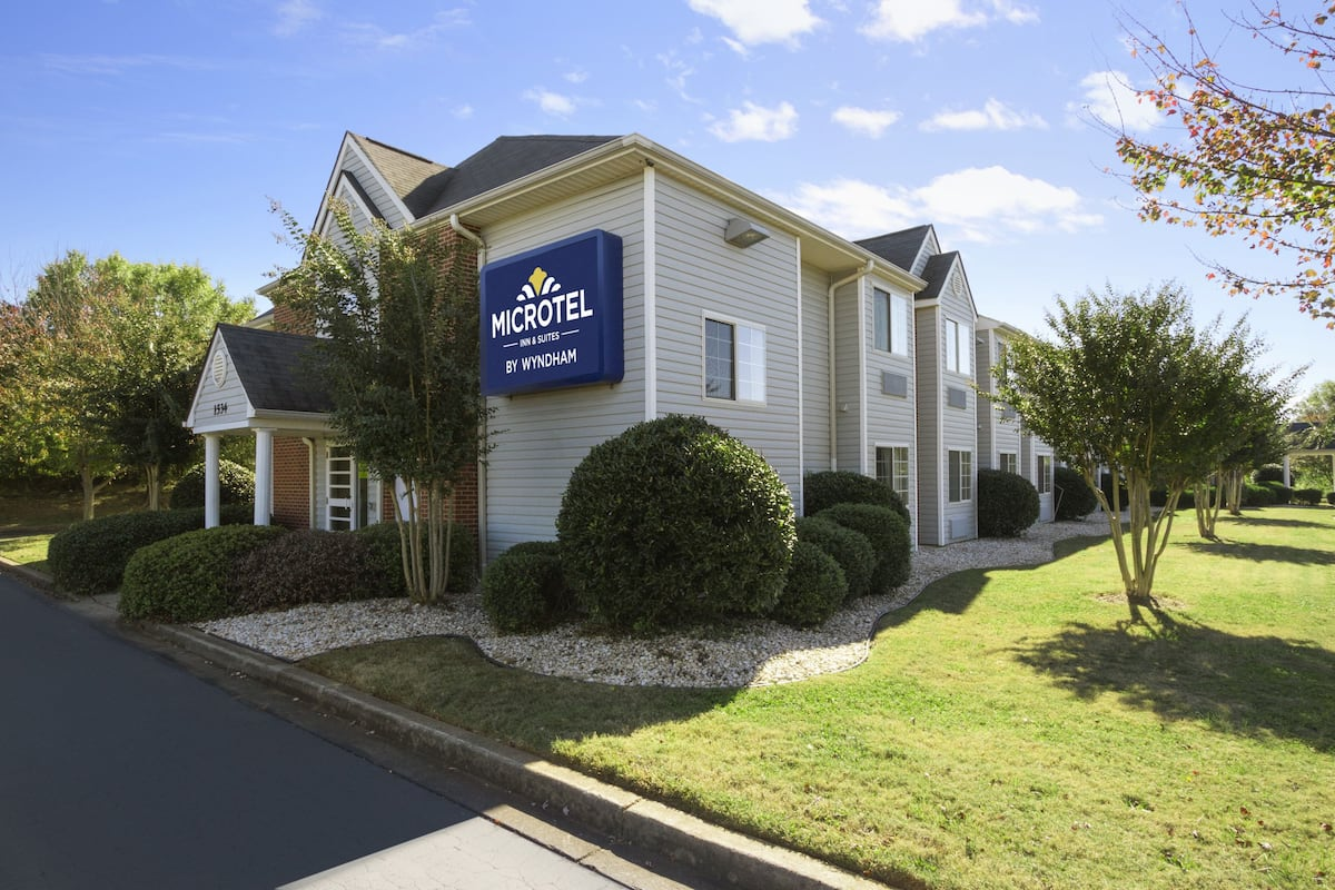 Exterior Of Microtel Inn Suites By Wyndham Duncan Spartanburg Hotel In South