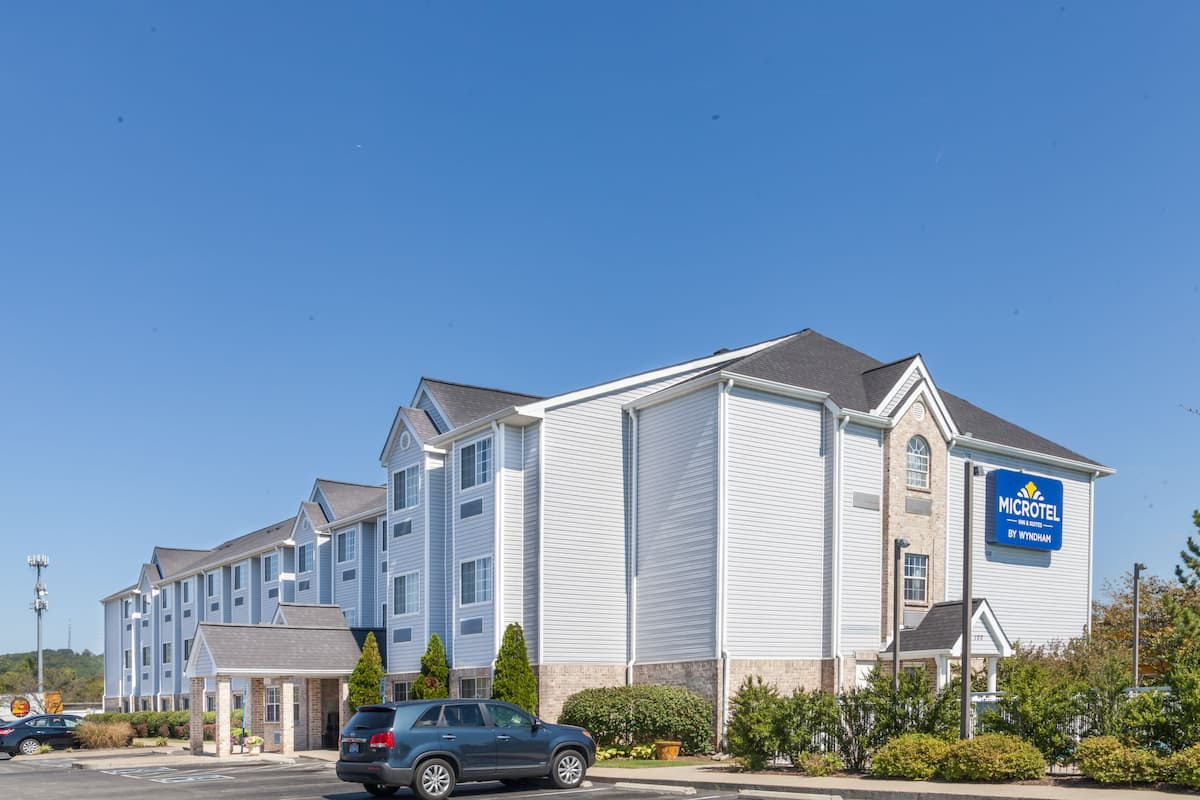 Exterior Of Microtel Inn Suites By Wyndham Nashville Hotel In Tennessee