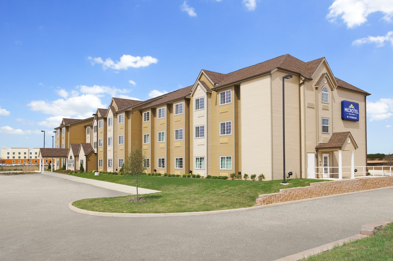 Microtel Inn & Suites by Wyndham Cotulla in  Cotulla,  Texas