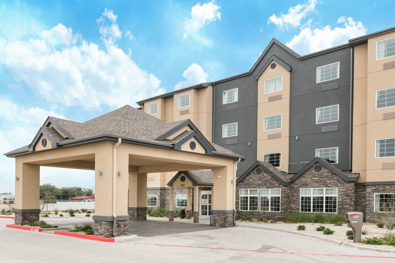 Microtel Inn and Suites by Wyndham Lubbock in  Lubbock,  Texas