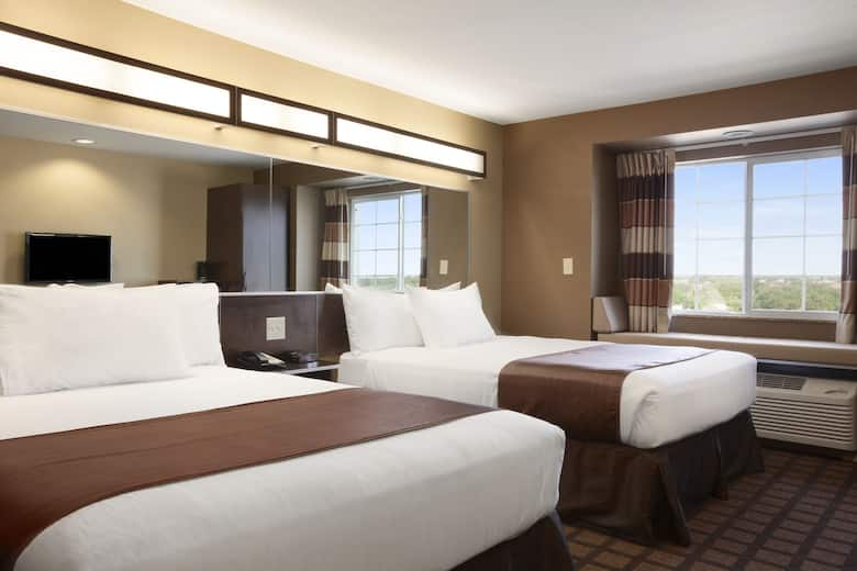 Guest Room At The Microtel Inn Suites By Wyndham Pleasanton In Texas