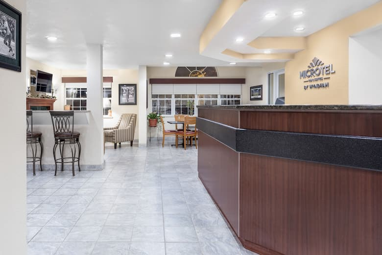 Microtel Inn Suites By Wyndham Green Bay Hotel Lobby In Wisconsin