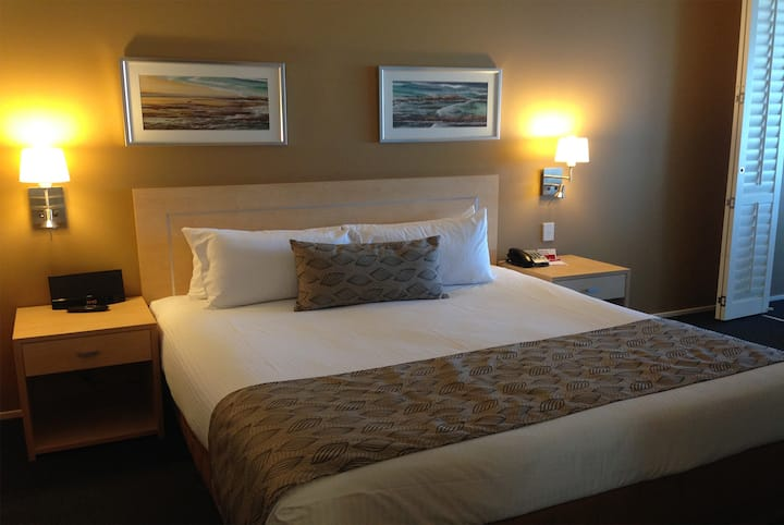 Guest room at the Ramada Hotel & Suites Ballina Byron in Ballina, Other than US/Canada
