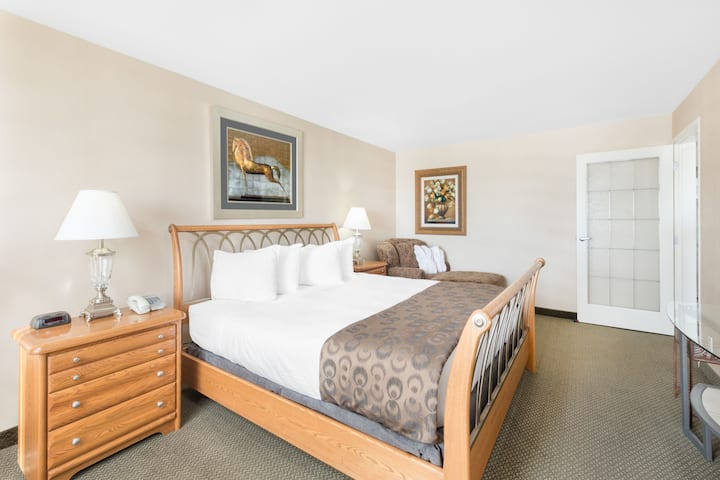 Guest room at the Ramada Clairmont/Grande Prairie in Clairmont, Alberta