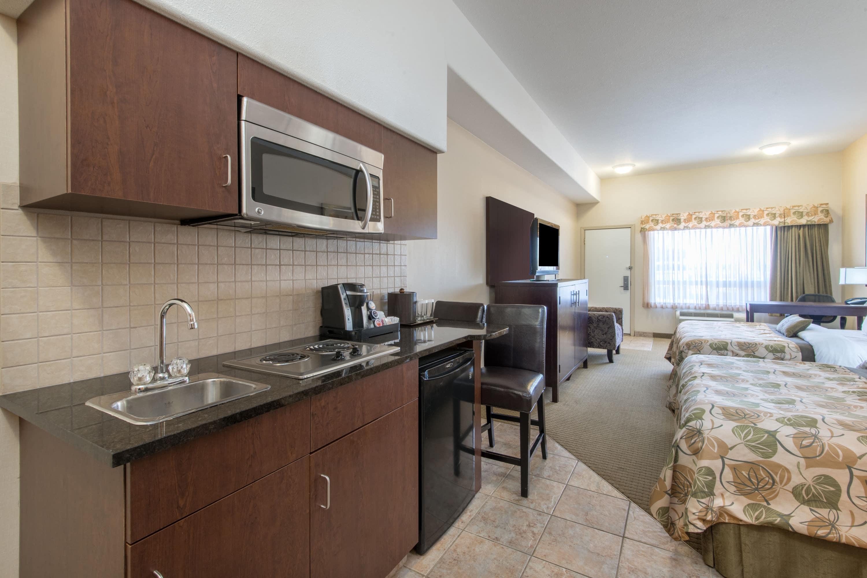 Guest room at the Ramada Wainwright in Wainwright, Alberta