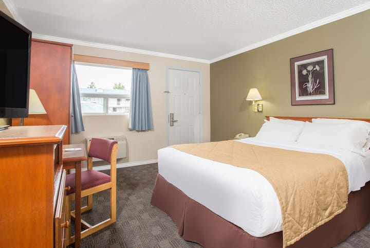 Ramada Limited Grand Forks suite in Grand Forks, British Columbia