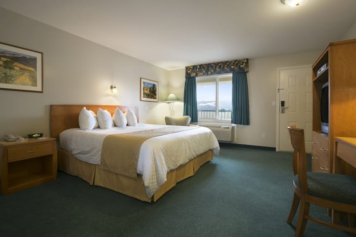 Guest room at the Ramada Limited Merritt in Merritt, British Columbia