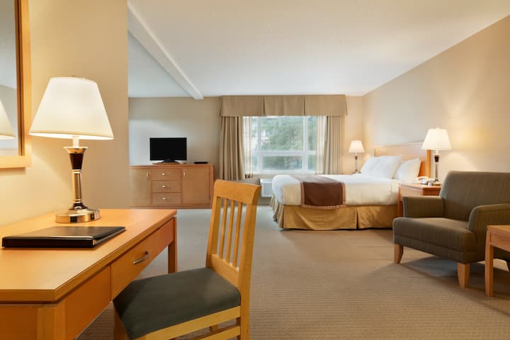 Ramada Nanaimo suite in Nanaimo, British Columbia