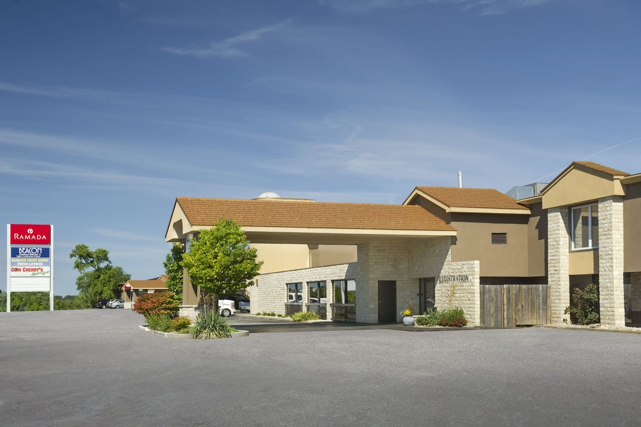 Ramada Jordan/Beacon Harbourside Resort in Jordan Station, Ontario