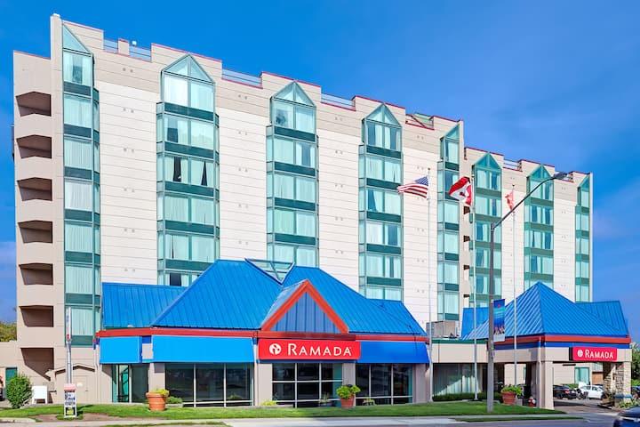 Ramada By Wyndham Niagara Falls Fallsview Niagara Falls On Hotels