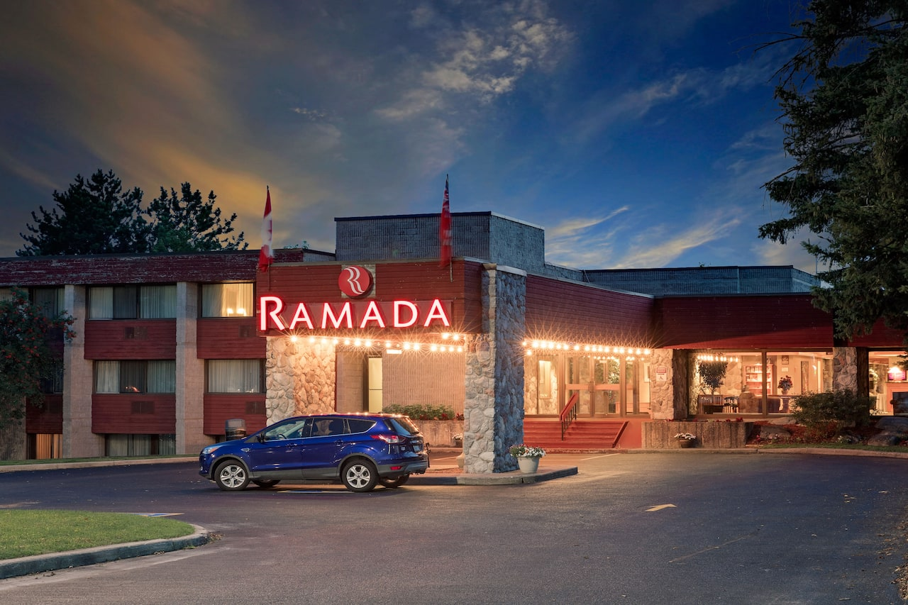 Ramada Pinewood Park Resort North Bay in North Bay, Ontario
