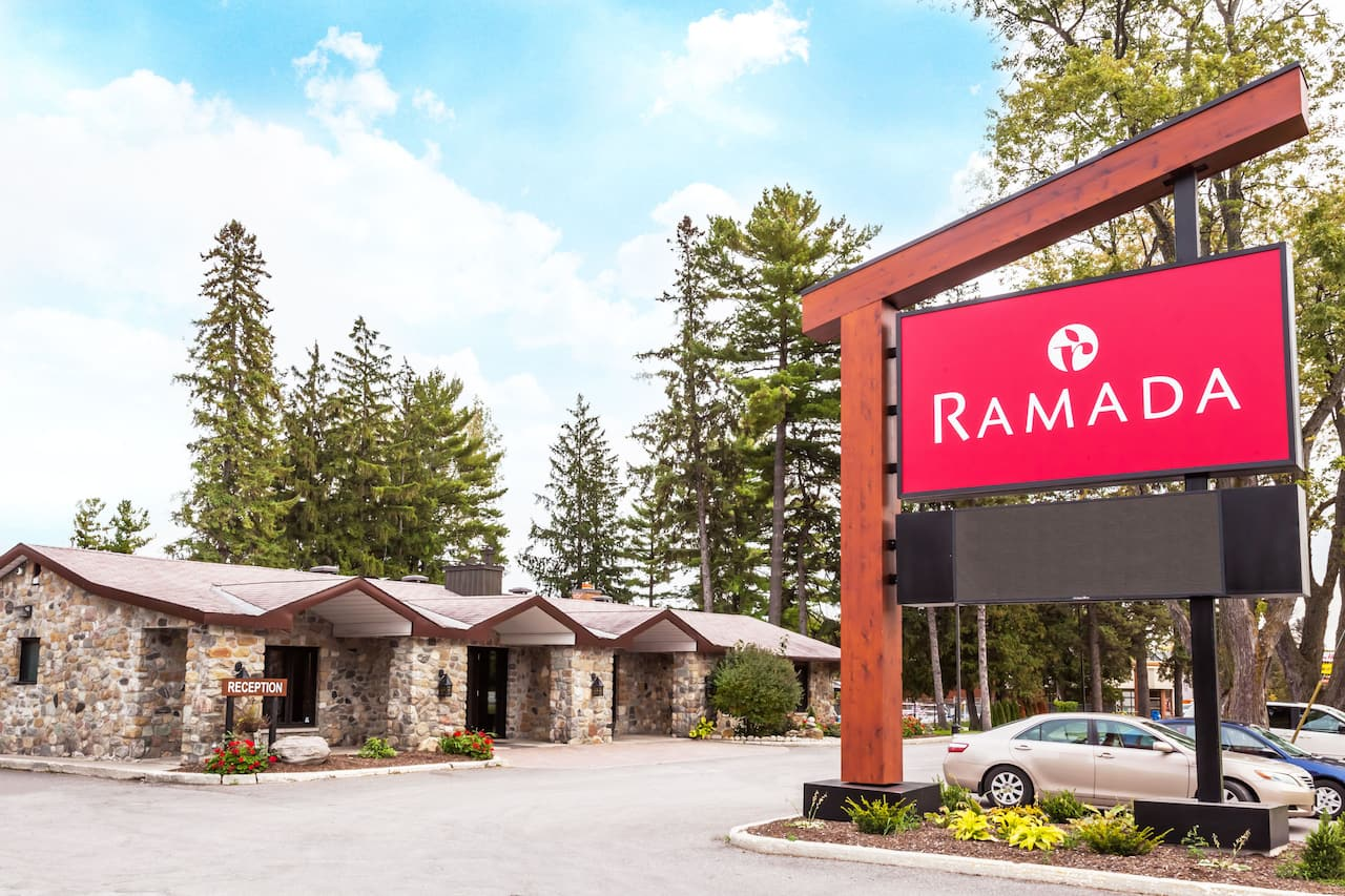 Ramada Ottawa On The Rideau in  Voyageur Park,  Ontario