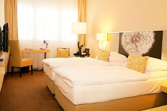 Gästezimmer im Ramada Zürich City in Zürich, außerhalb USA/Kanada