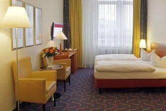 Gästezimmer im Ramada Überseehotel Bremen in Bremen, außerhalb USA/Kanada