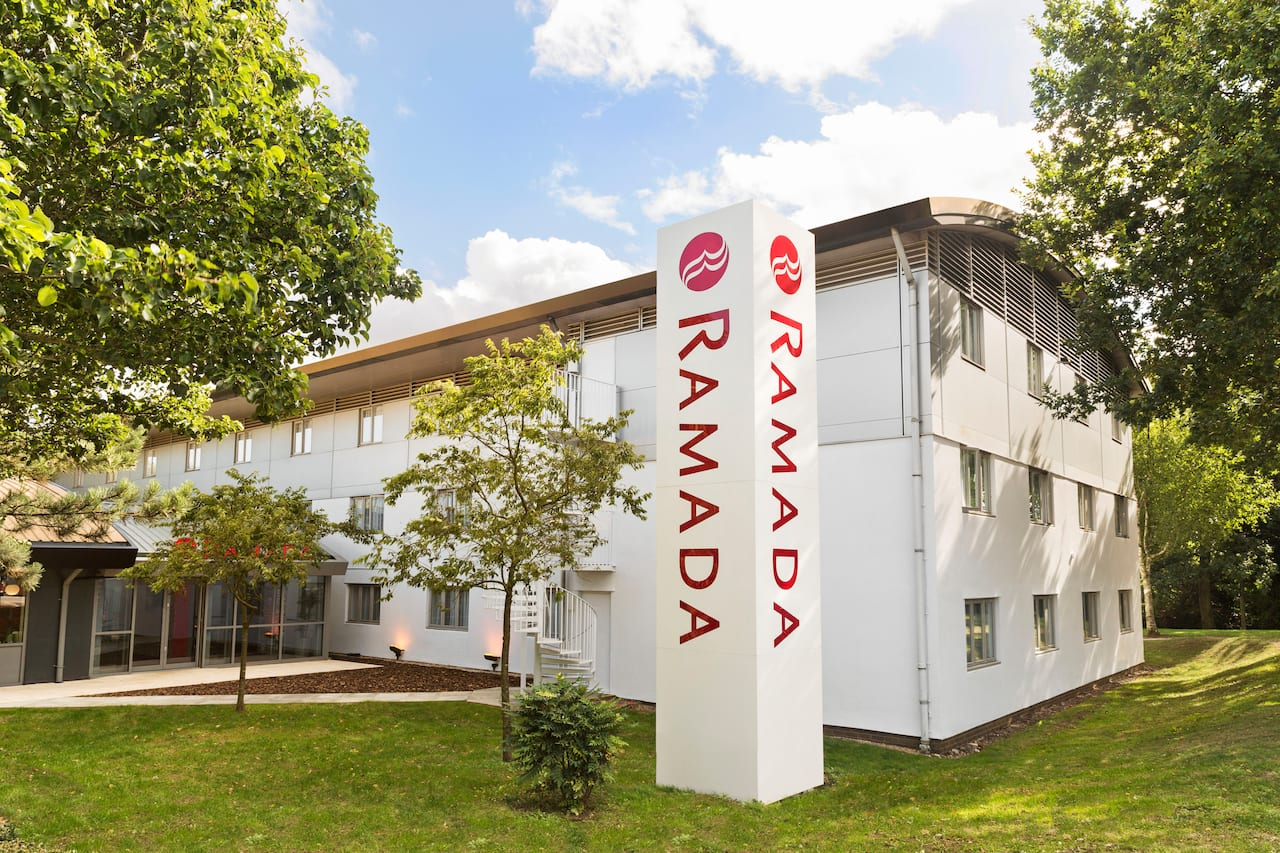 Ramada South Mimms M25 in Chertsey England, UNITED KINGDOM
