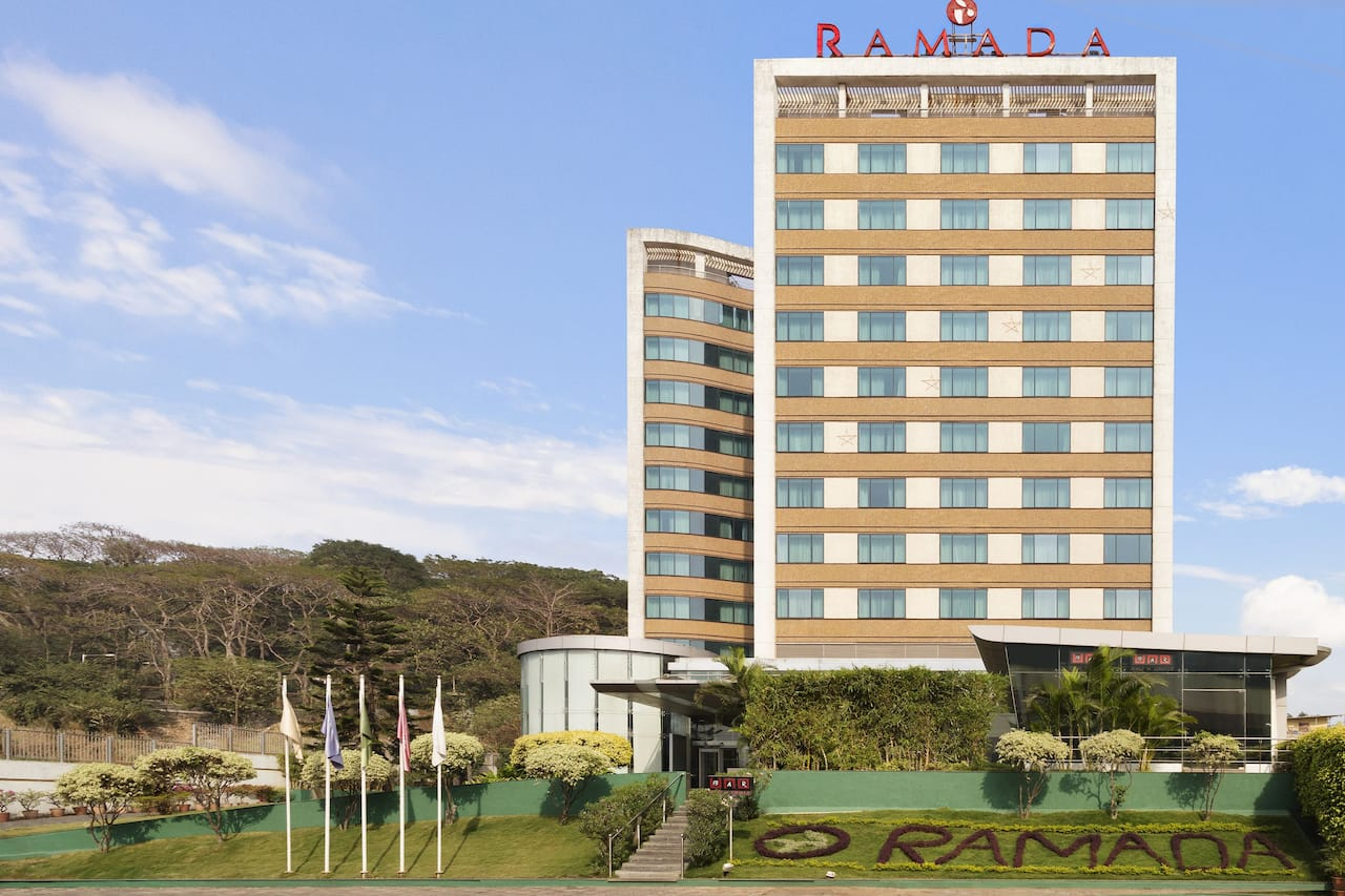Ramada Powai Hotel And Convention Centre in  Juhu,  India